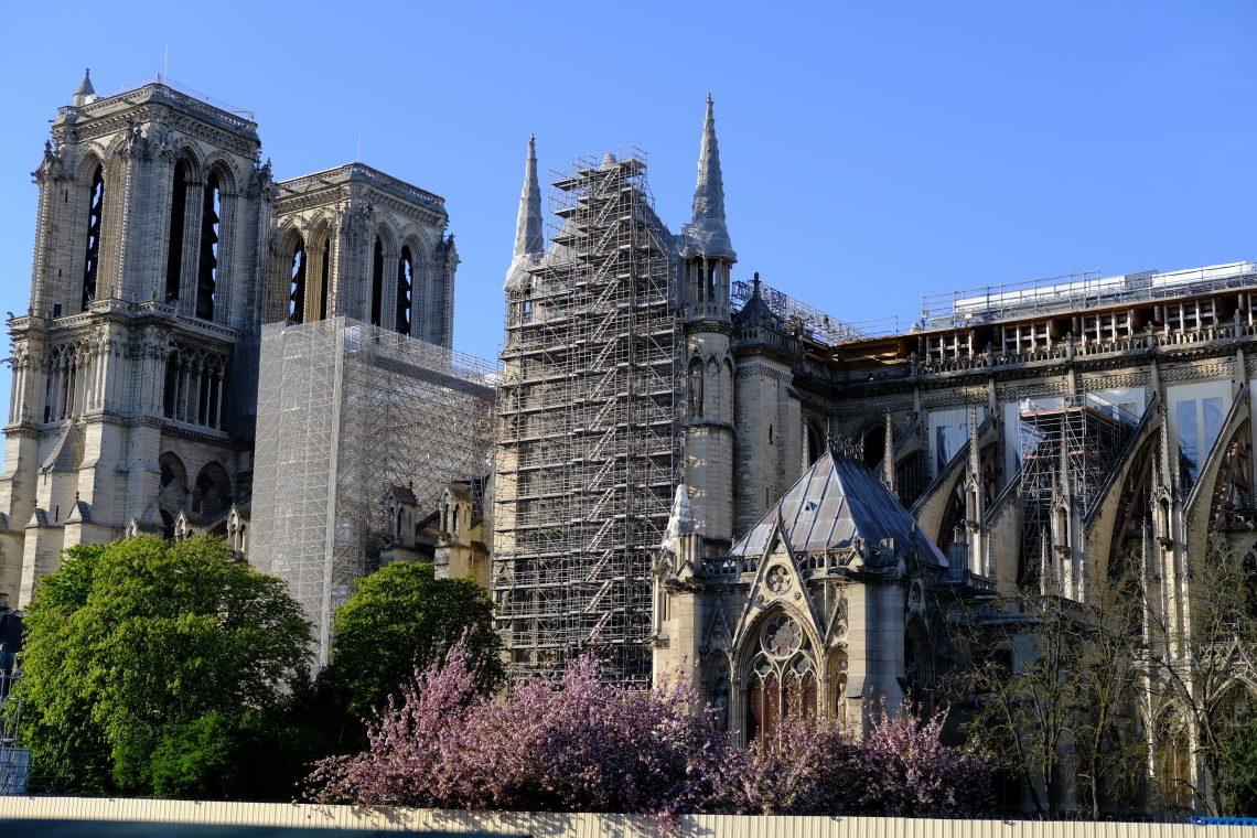 Notre Dame pendant sa reconstruction le 23 avril 2021