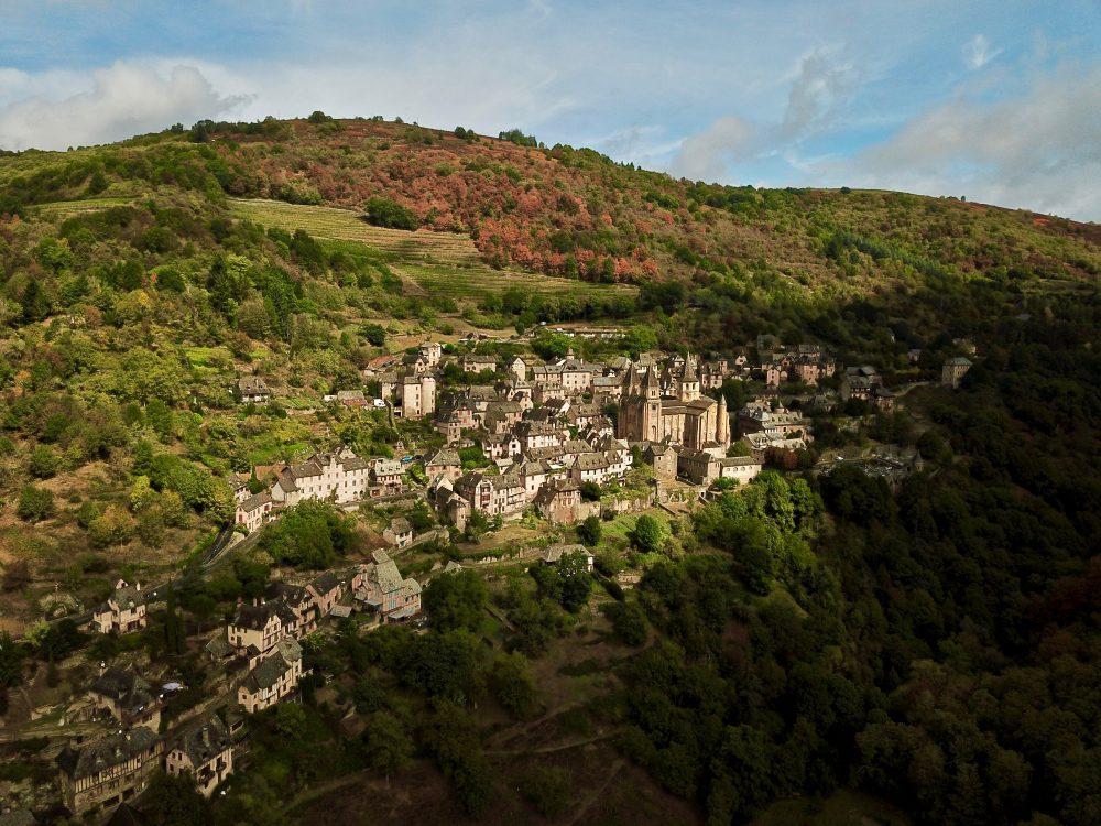 Visiter Conques, l'une des choses incontournables à faire en Aveyron