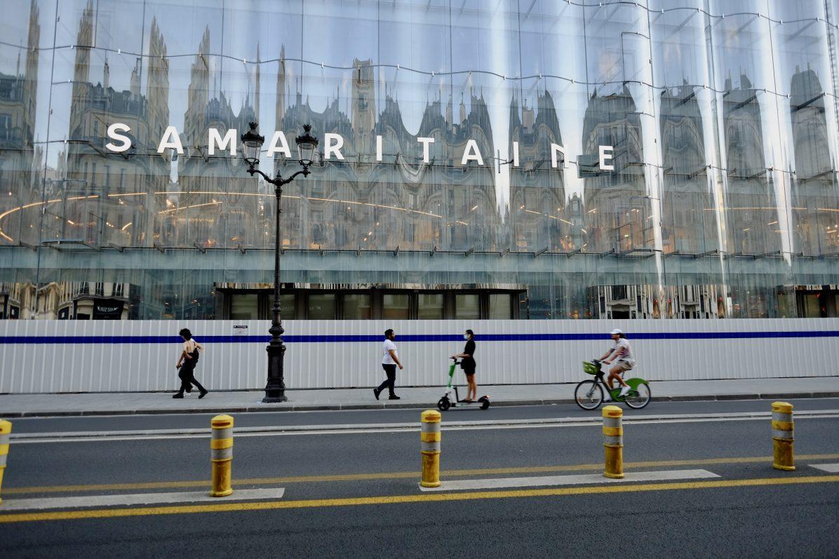 La façade de la Samaritaine juste avant sa réouverture en juin 2021