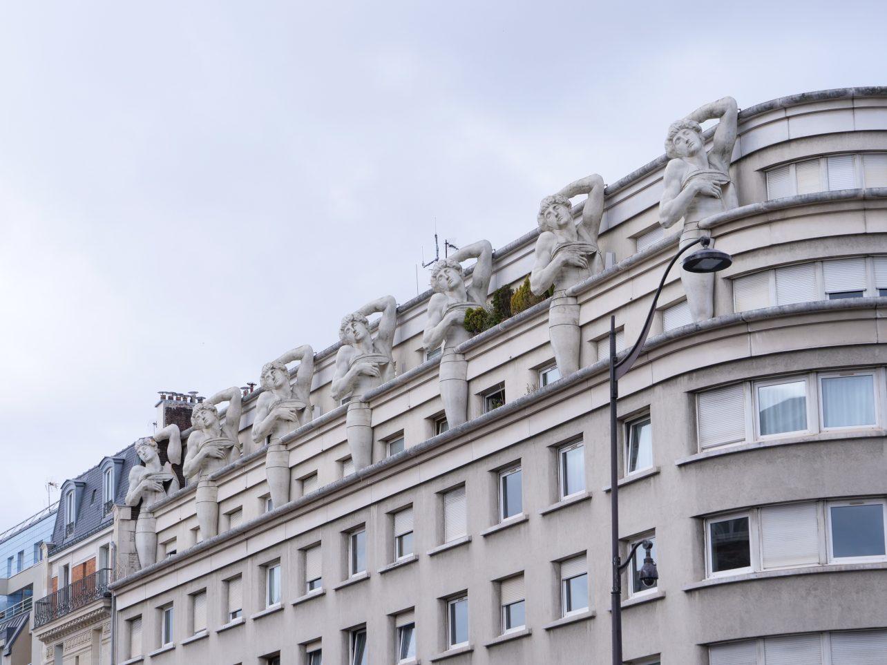 La façade du commissariat de Police de l'avenue Daumesnil