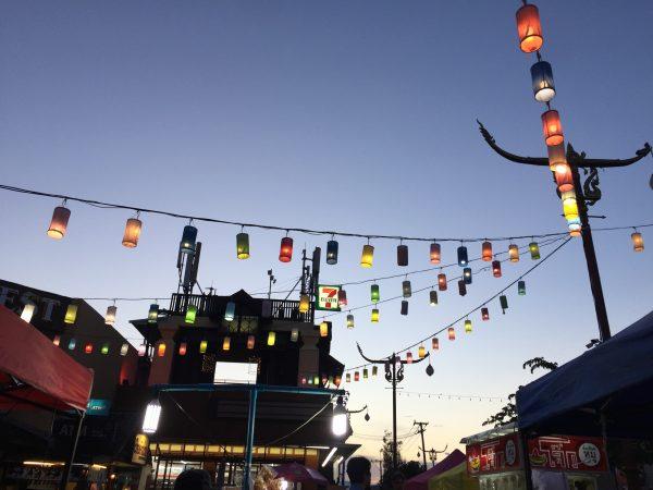 La magie des marchés nocturnes du nord de la Thaïlande