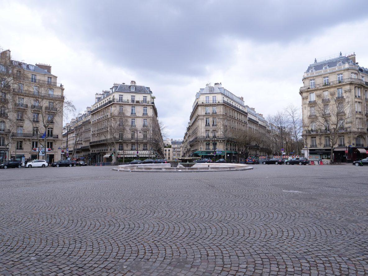 La place Victor Hugo sous les nuages