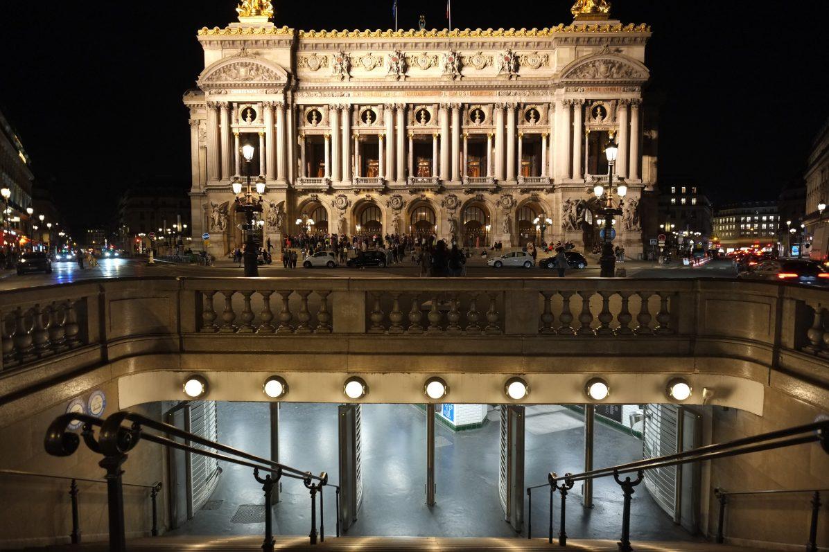 La superbe façade de l'opéra Garnier