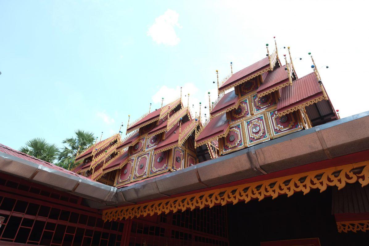 Le grand temple de Si Rong Muang à Lampang