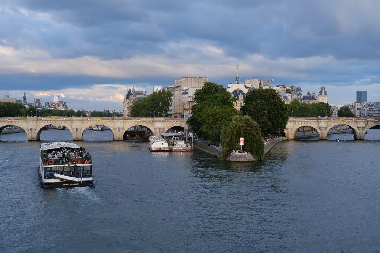 Le square du Vert galant et le pont Neuf