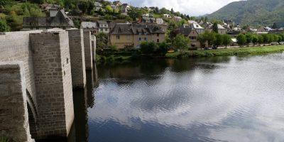Le superbe pont en pierre d'Entraygues sur Truyère