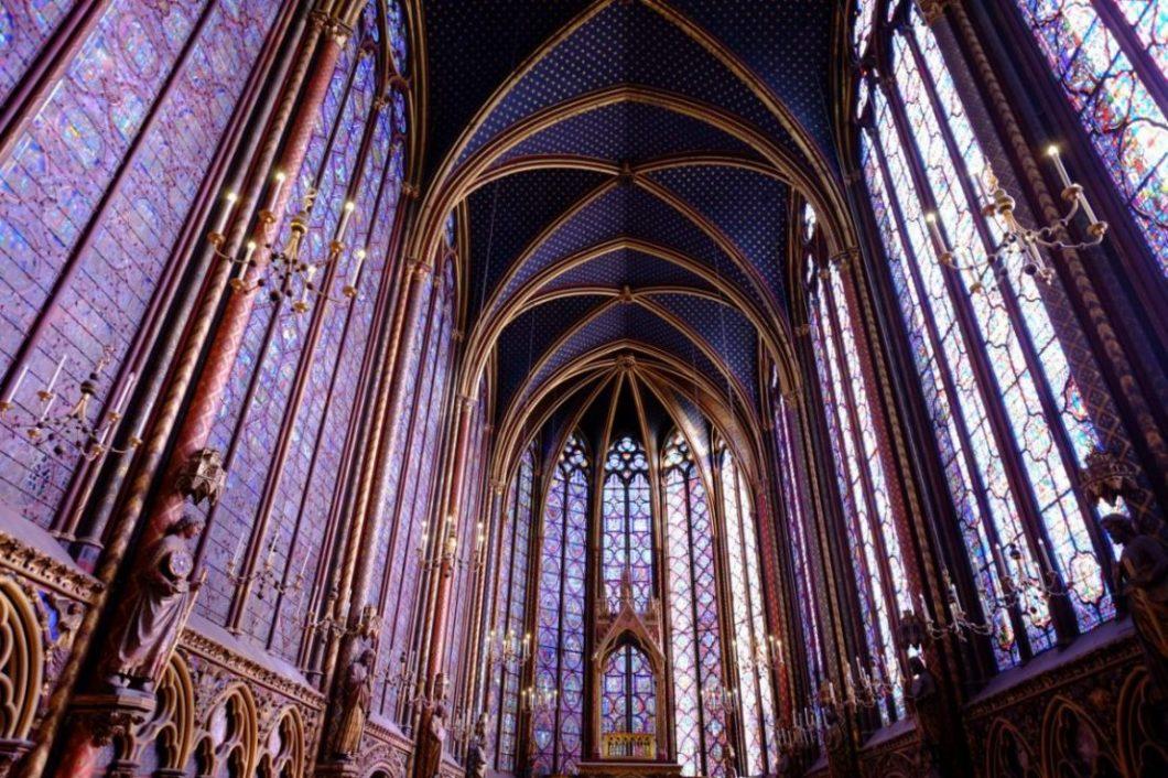 Les splendides vitraux de la Sainte Chapelle