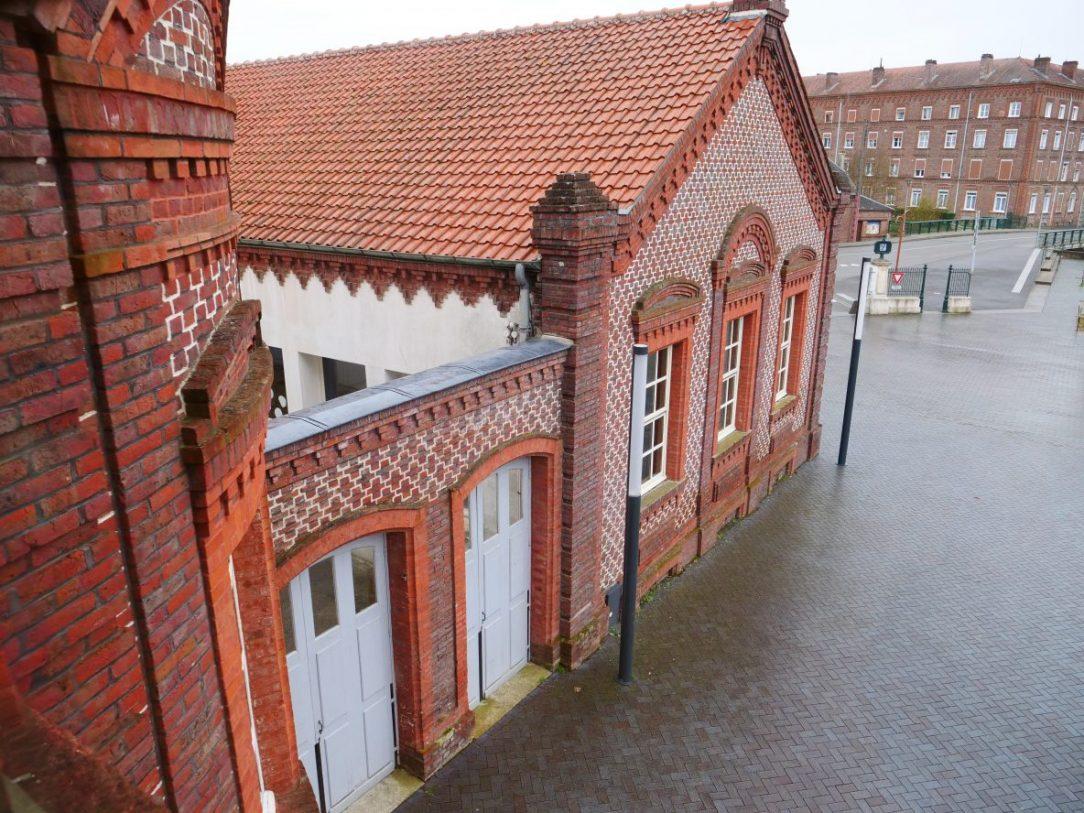 L'un des cinq bâtiments du familistère de Guise