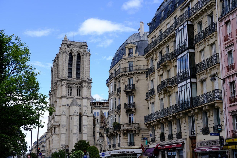 Notre Dame de Paris depuis la rue du Fouarre