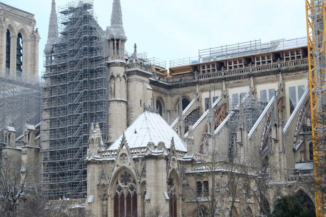 Notre Dame de Paris sous la Neige le 10 février 2021