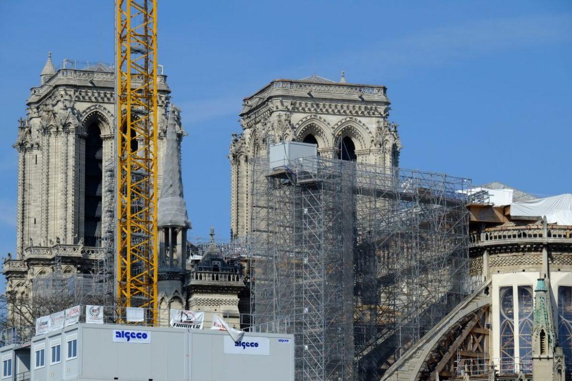 Notre Dame de Paris sous le soleil le 23 mars 2021