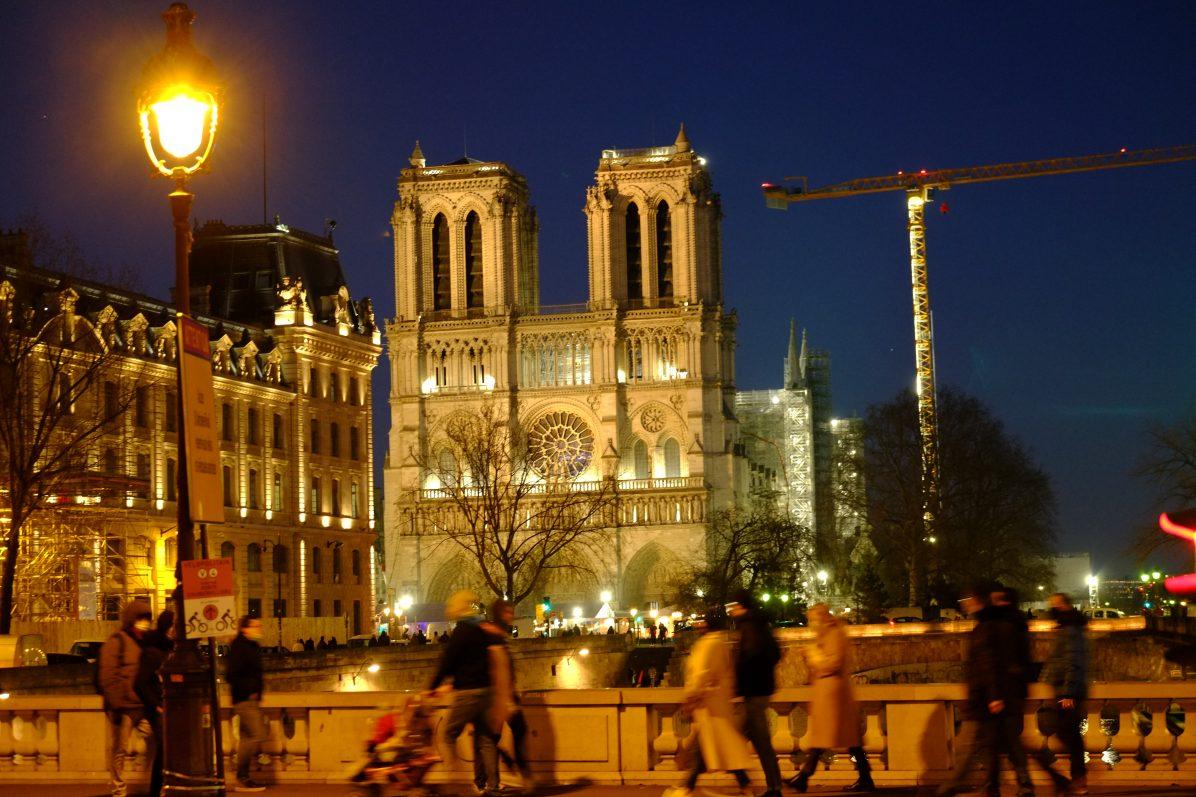 Notre Dame pendant la nuit, le 10 janvier 2021
