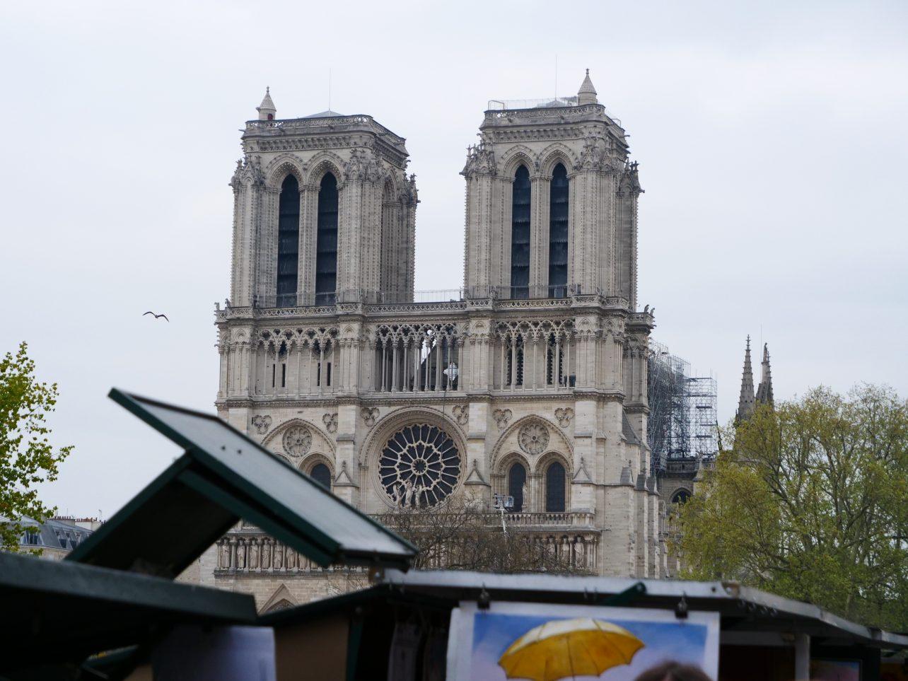 Notre de Dame de Paris le lendemain de l'incendie soit le 16 avril 2019