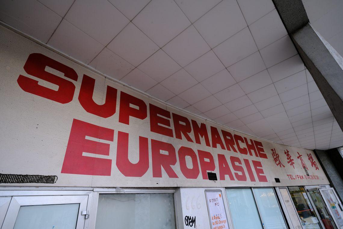 Sur la place d'Aligre le supermarché Europasie