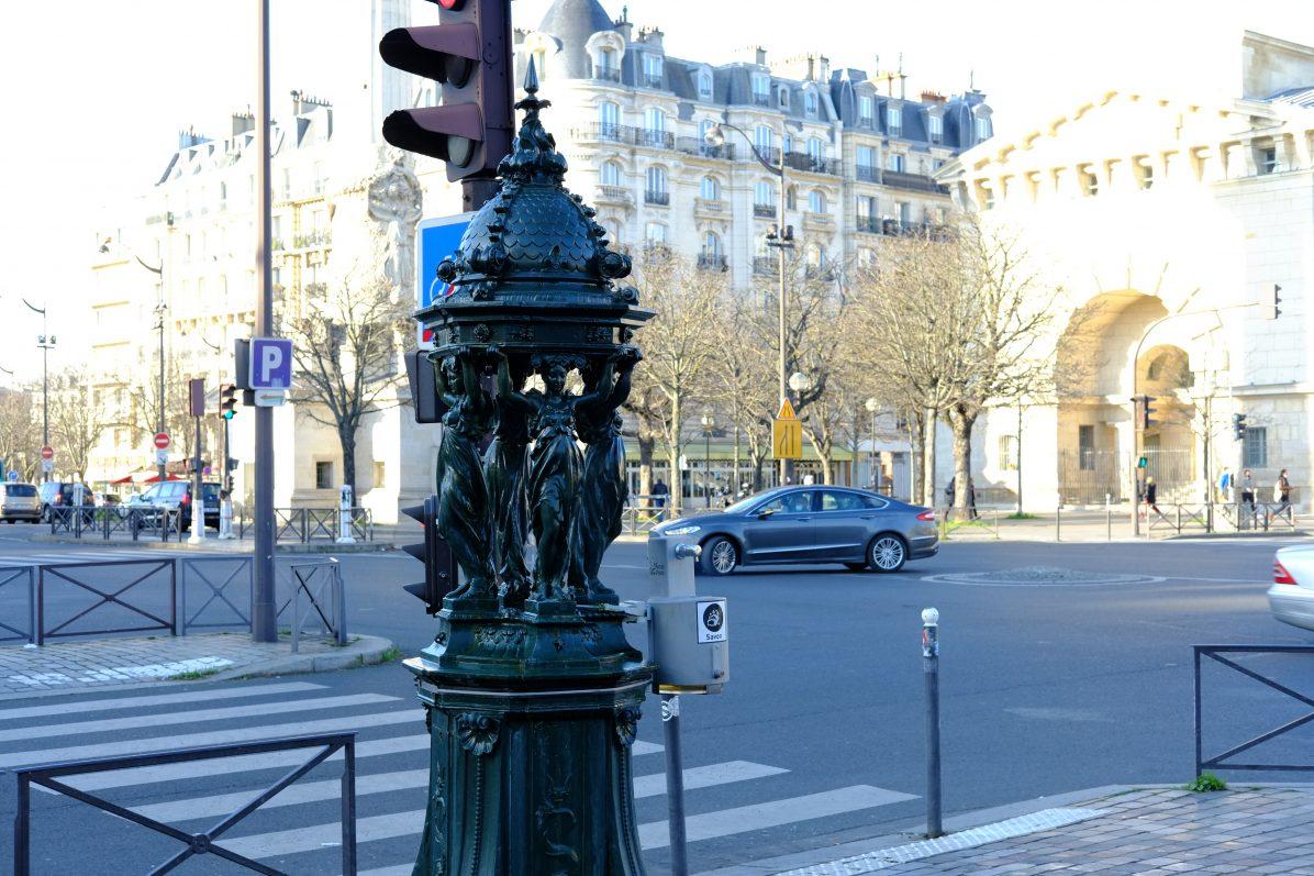 Une fontaine Wallace à deux pas de la place de la Nation