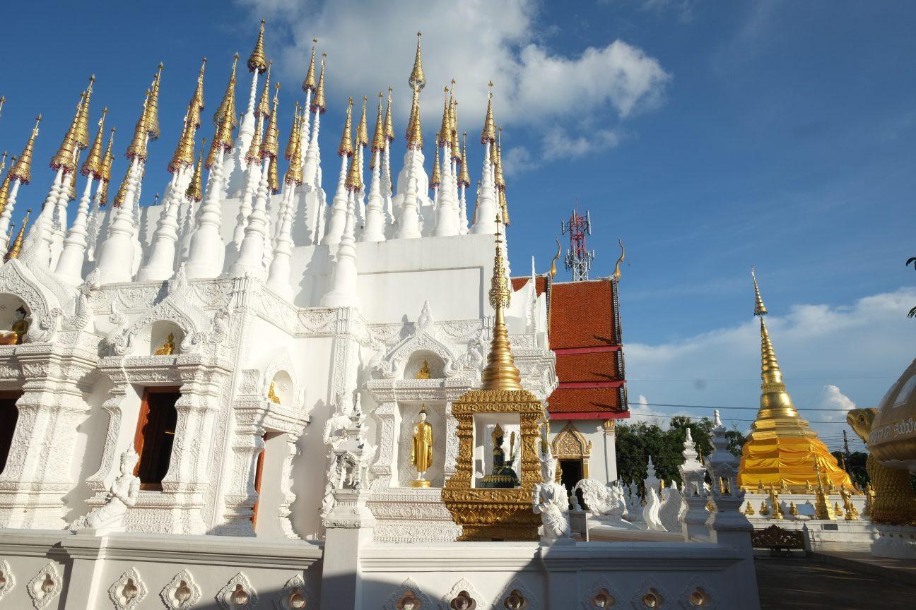 un temple excentrique à Lampang, Wat Phong Sunan