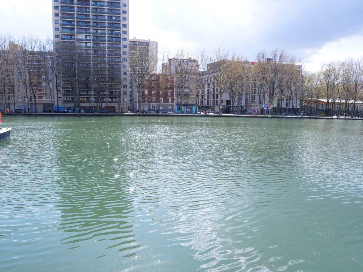 Le bassin de la Villette au début du printemps