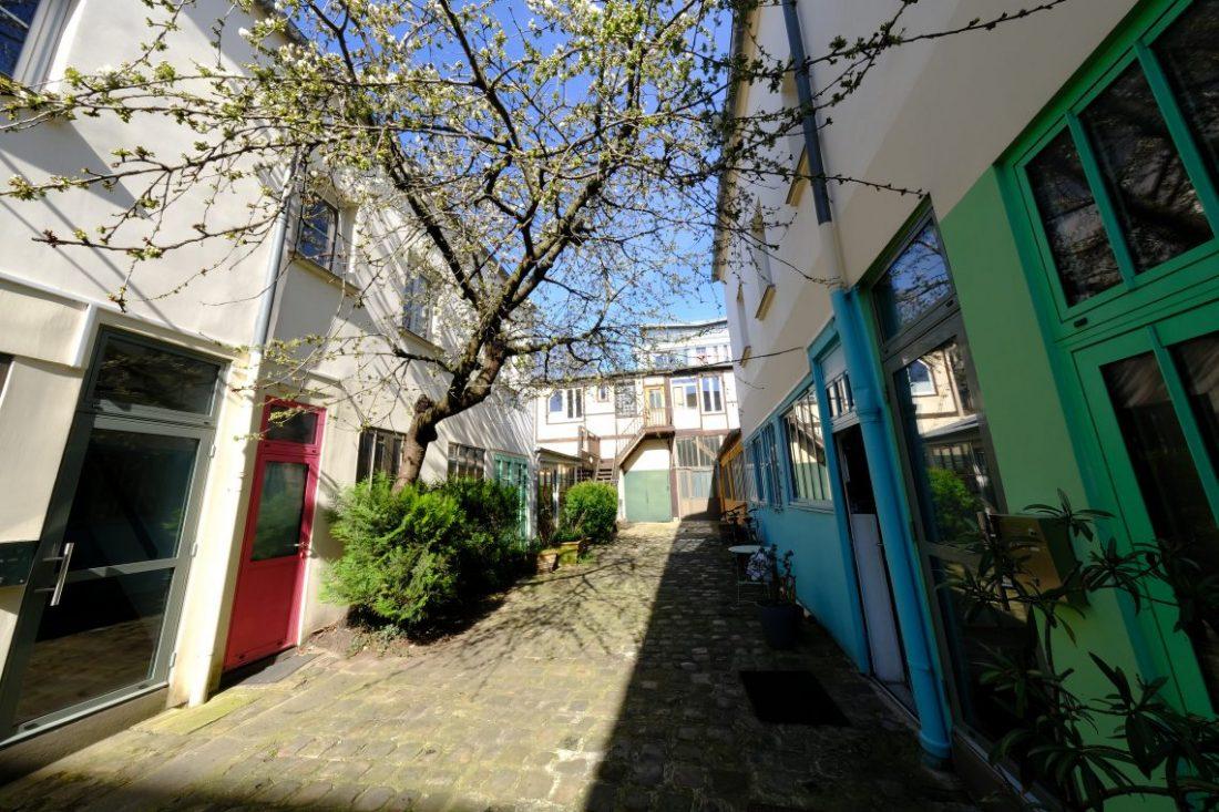 Les petits ateliers d'artistes dans la cour d'Alsace-Lorraine