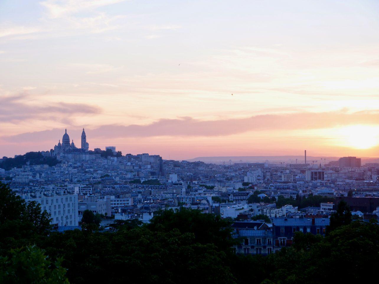 Un coucher de soleil depuis les buttes Chaumont