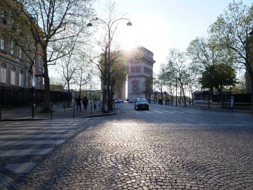 Jeux de lumières en fin de journée à Paris