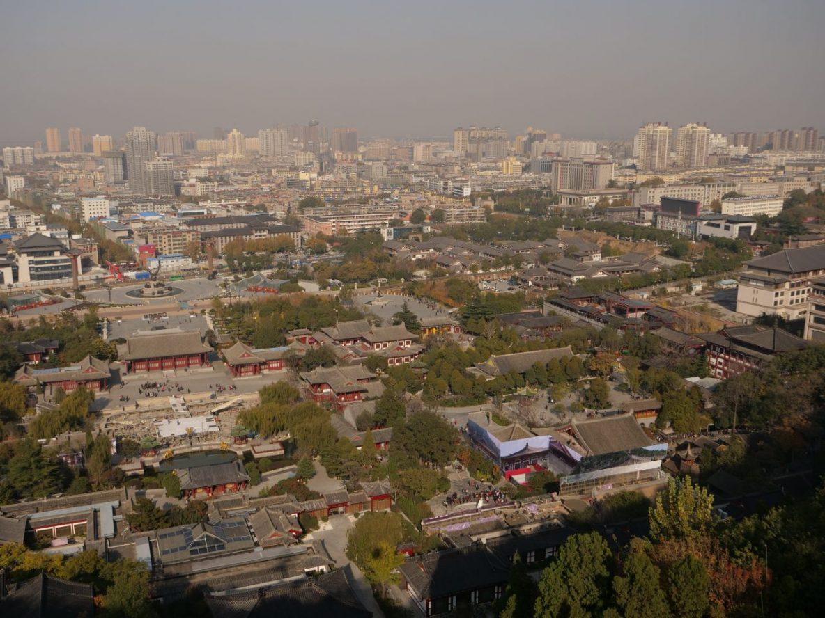 La ville de Lintong en contrebas du site de Huaqing Chi