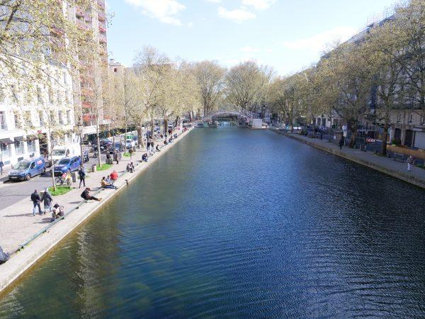 Le canal Saint-Martin sous le soleil