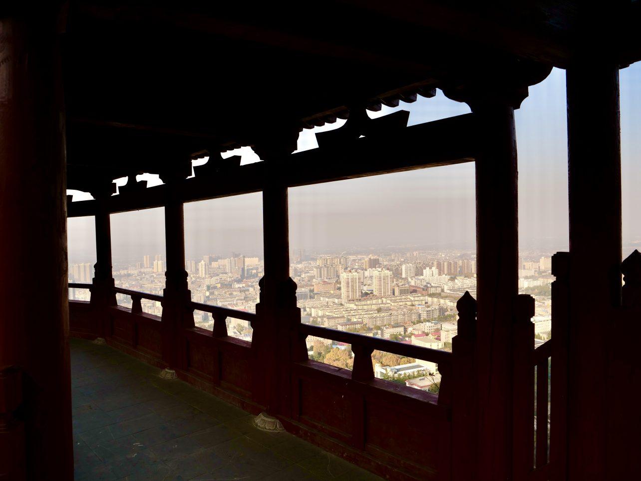 Le temple de la montagne de Huaqing Chi