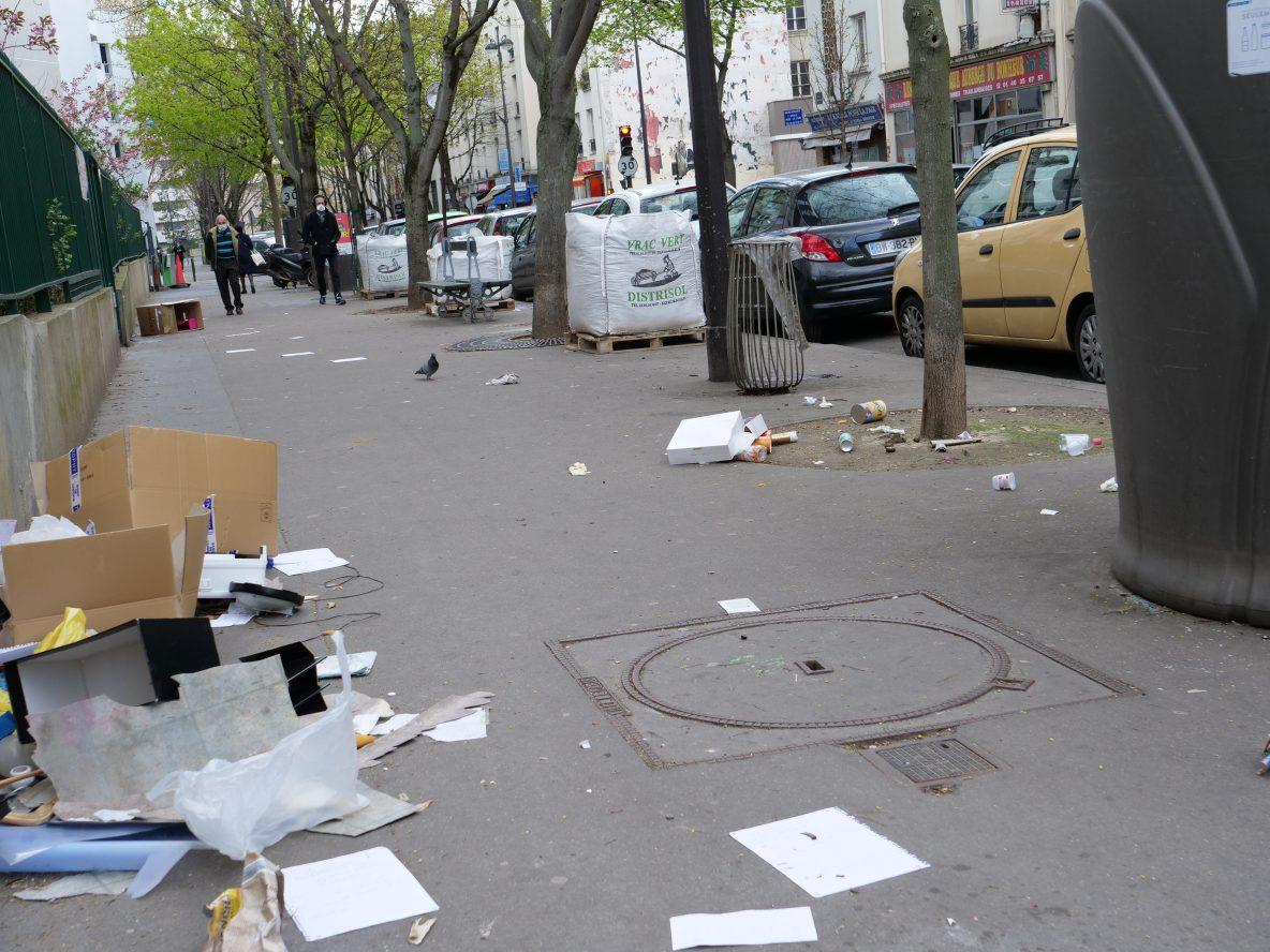 Paris ville propre, dans les rues du 18 ème arrondissement le 6 avril 2021