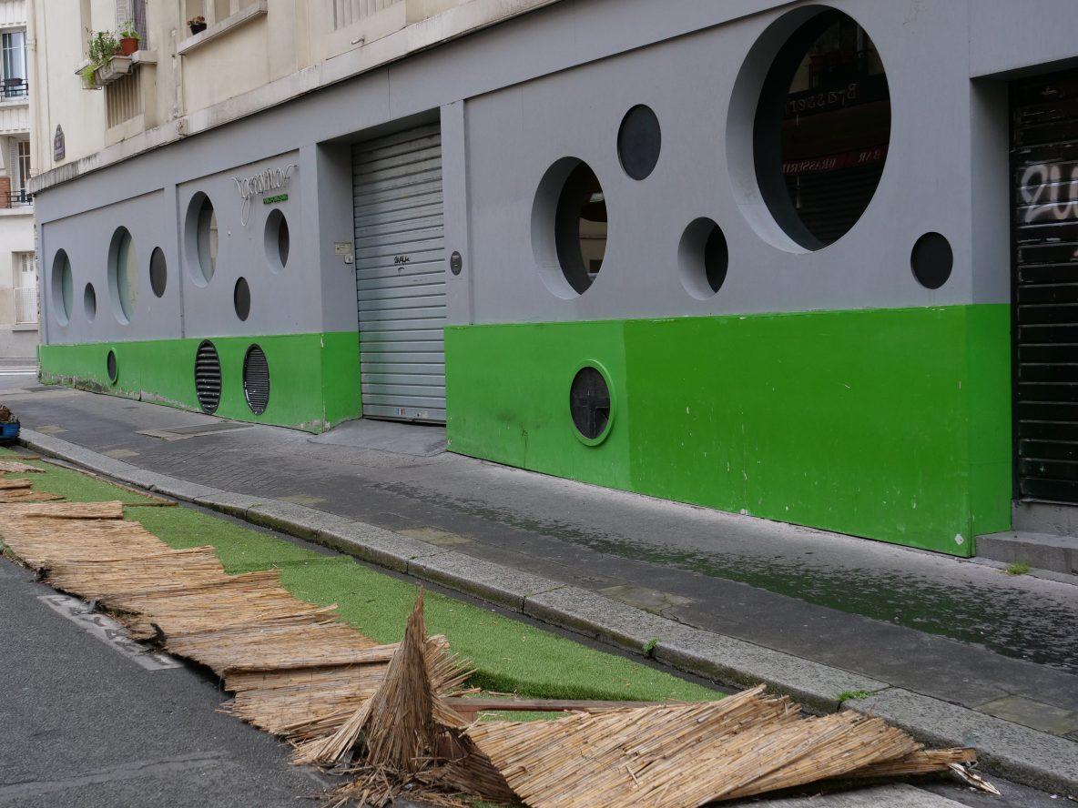 Une autre terrasse éphémère laissée à l'abandon pour alimenter la rubrique saccage Paris