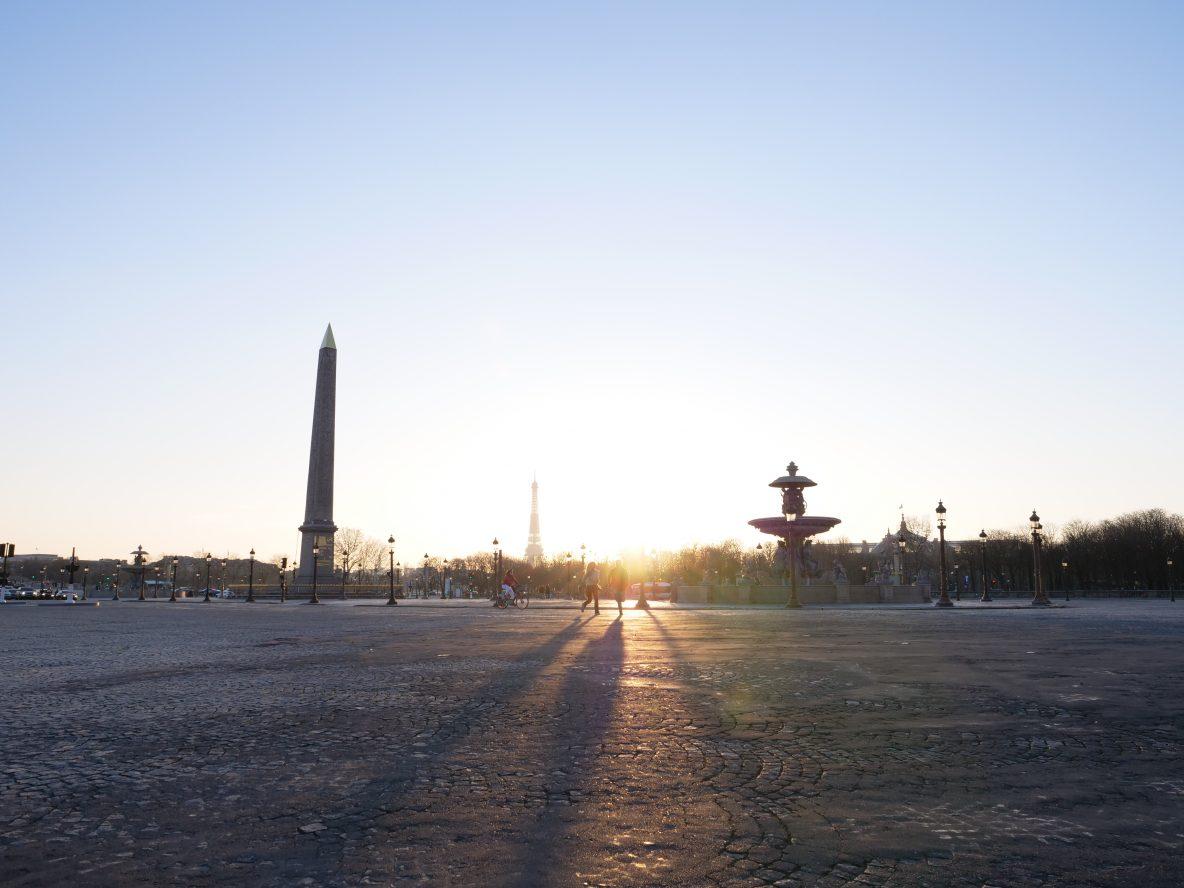 Le coucher du soleil sur la Place de la Concorde