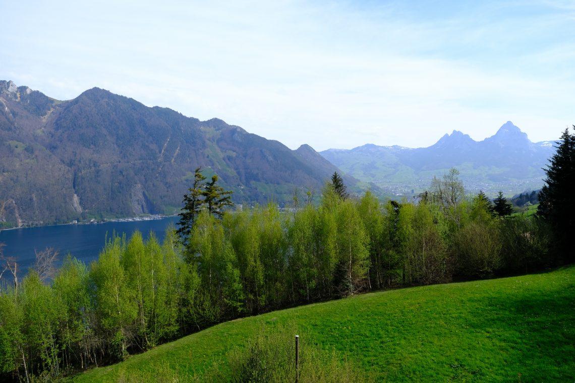 Le lac de Lucerne depuis Seelisberg en regardant vers Rutli