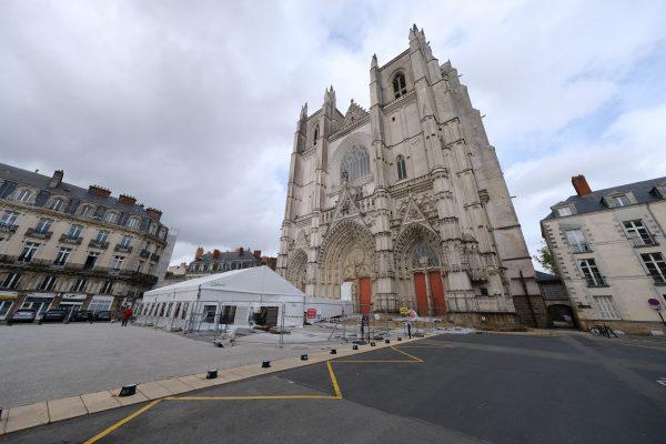 Suite à son incendie la cathédrale de Nantes est en travaux