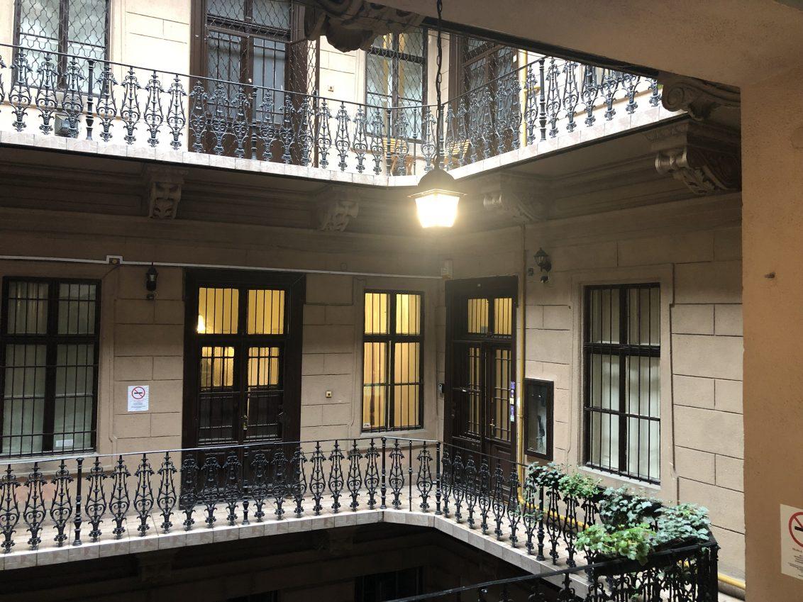 Un immeuble à Budapest côté cour