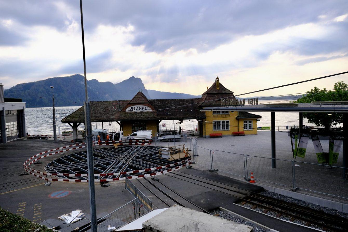 Un noeud de transport à Vitznau entre train et bateau