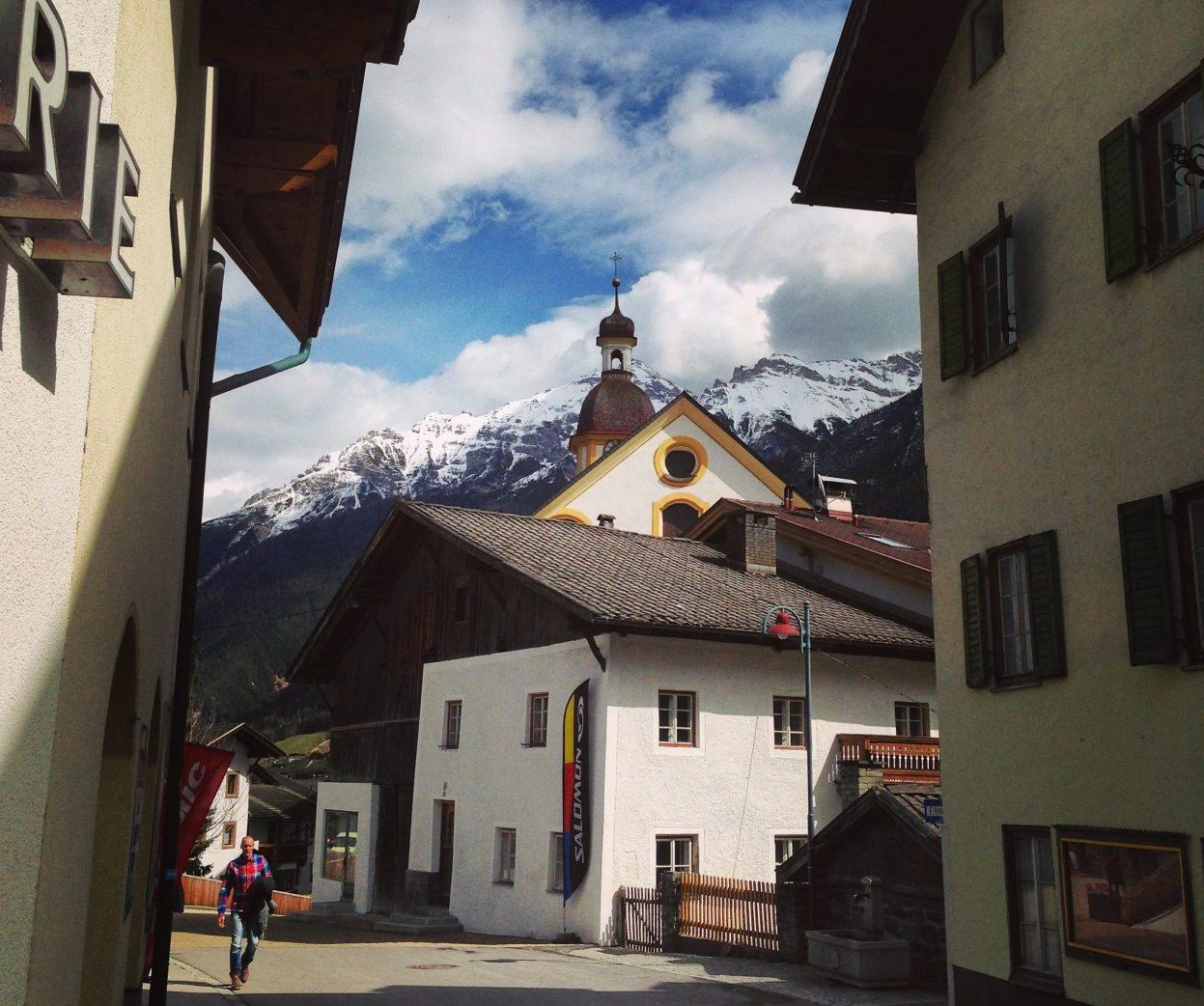 Un petit village du Tyrol dans le Stubaï