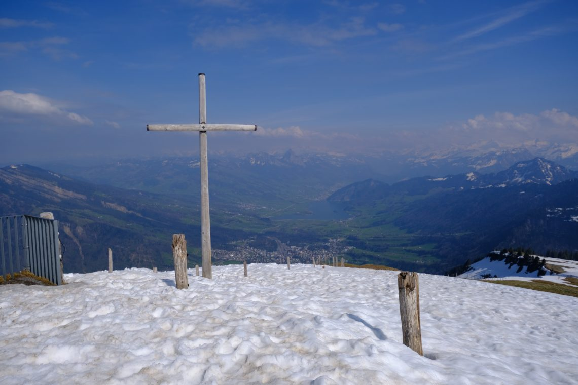 Une croix au sommet du Mont Rigi