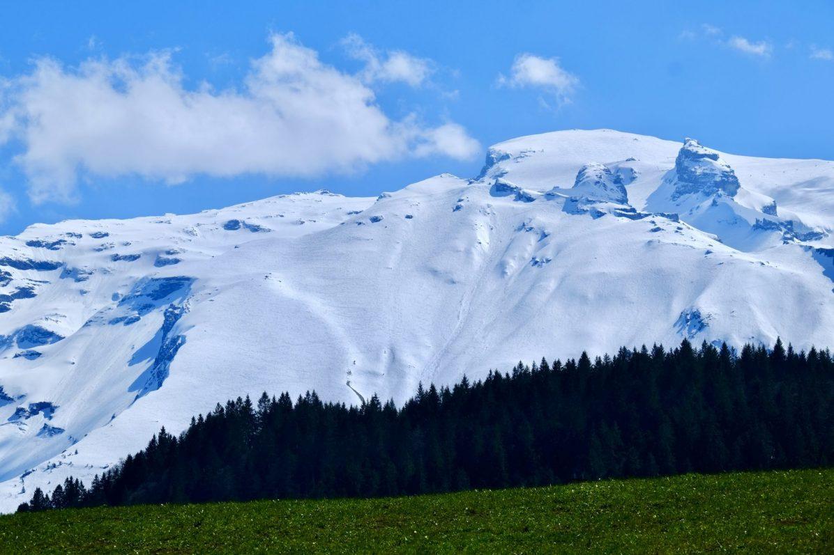 Une montagne enneigée à Engelberg