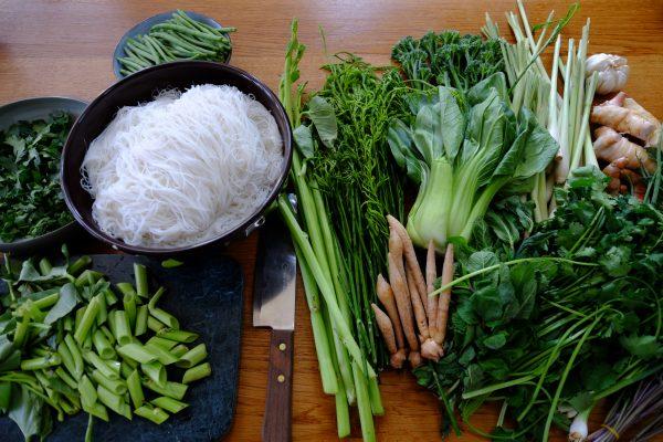 quelques ingrédients du bobun l'un des plats cambodgiens le plus connu