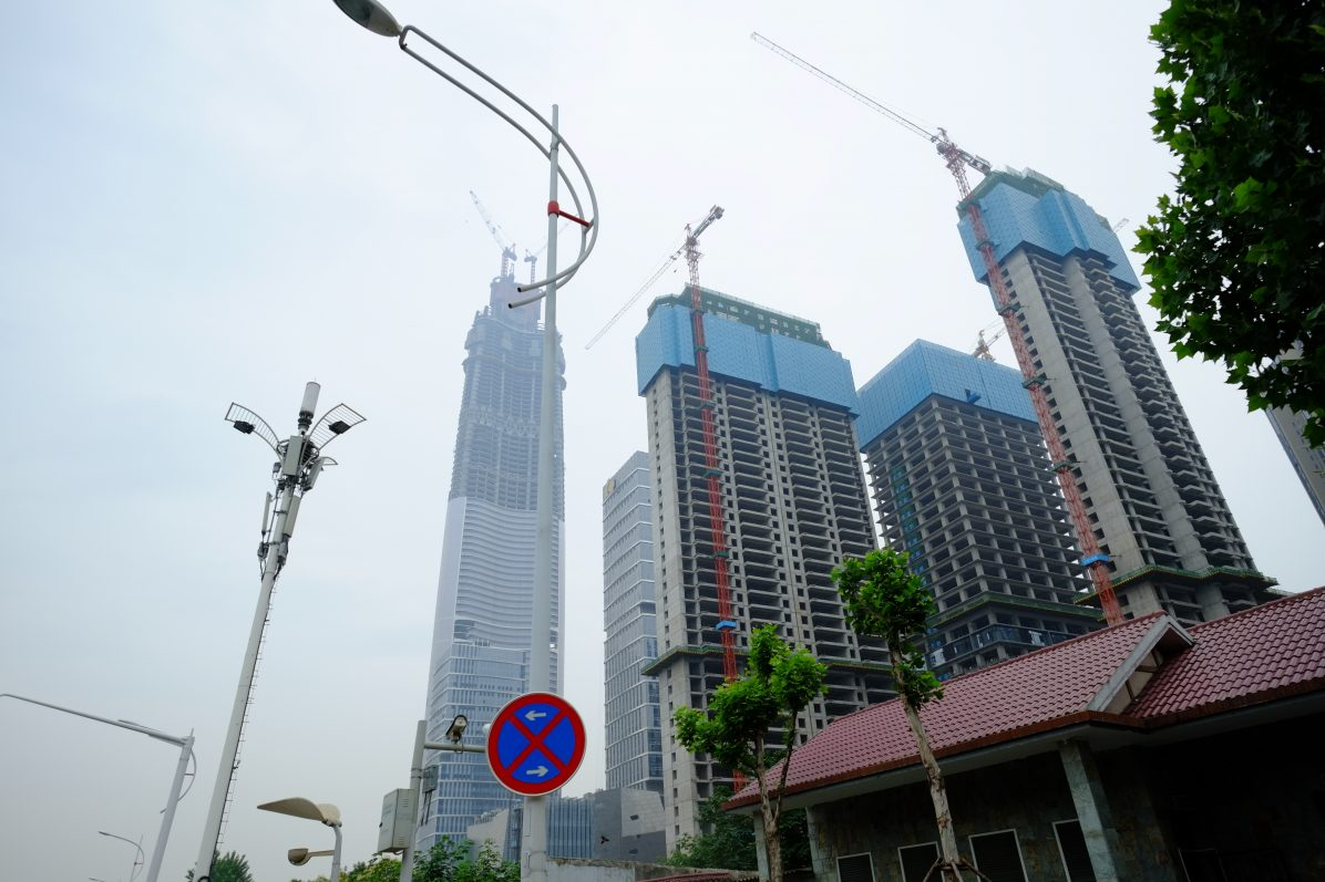 A Wuhan, l'une des plus hautes tours du monde est en construction
