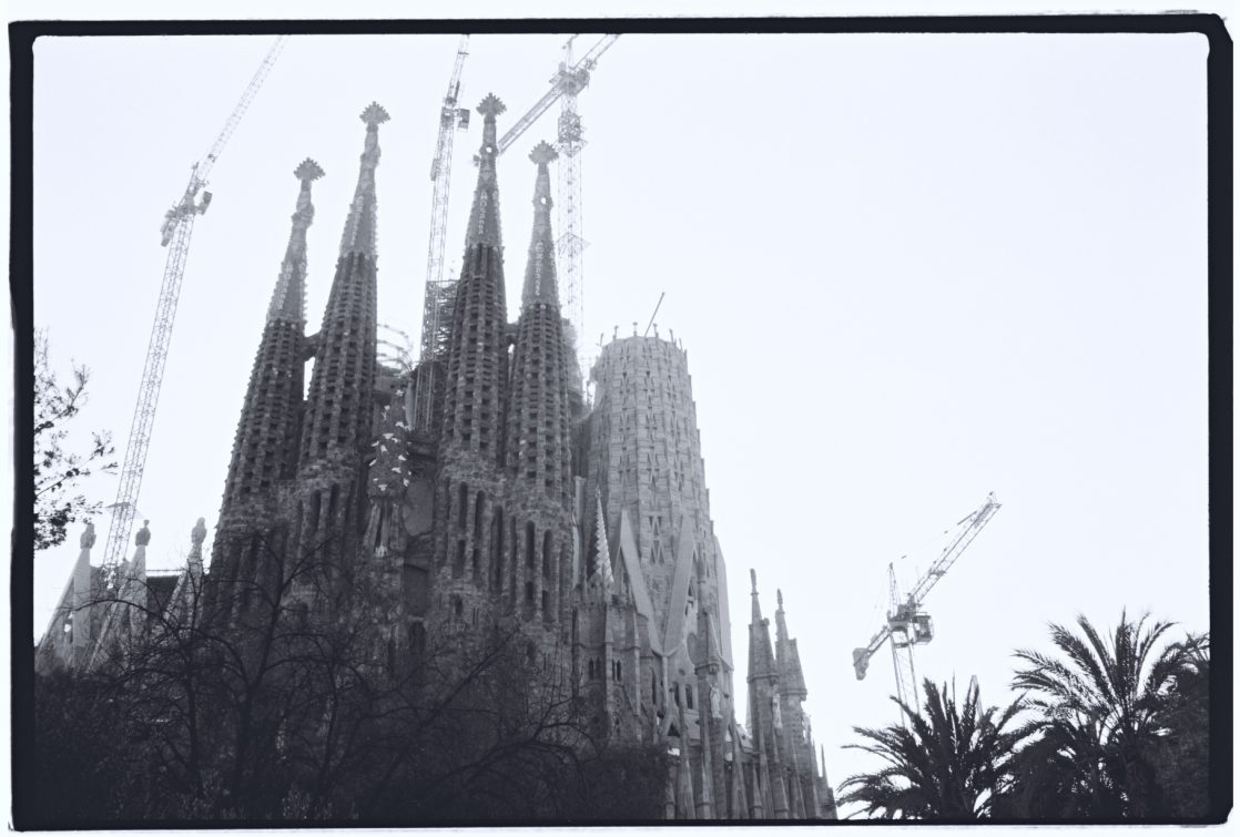 La cathédrale d'Antoni Gaudi en cours de construction