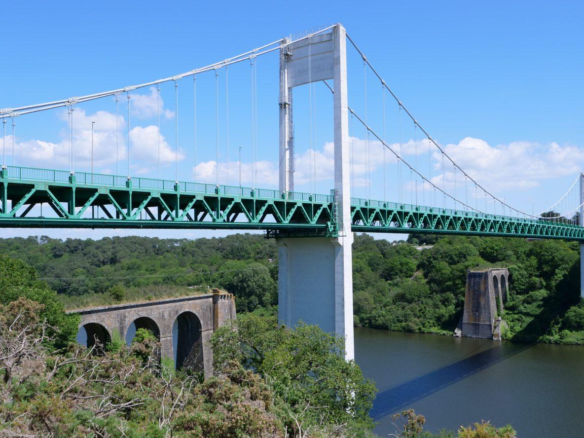 Le pont routier et piéton de la Roche Bernard