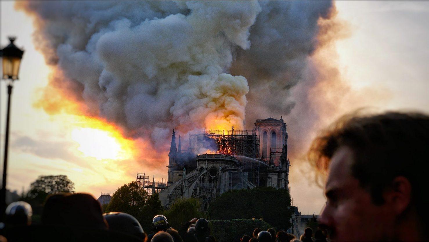 Notre Dame en feu, photo Yann Vernerie