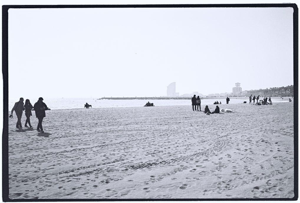 Une plage à Barcelone en hiver