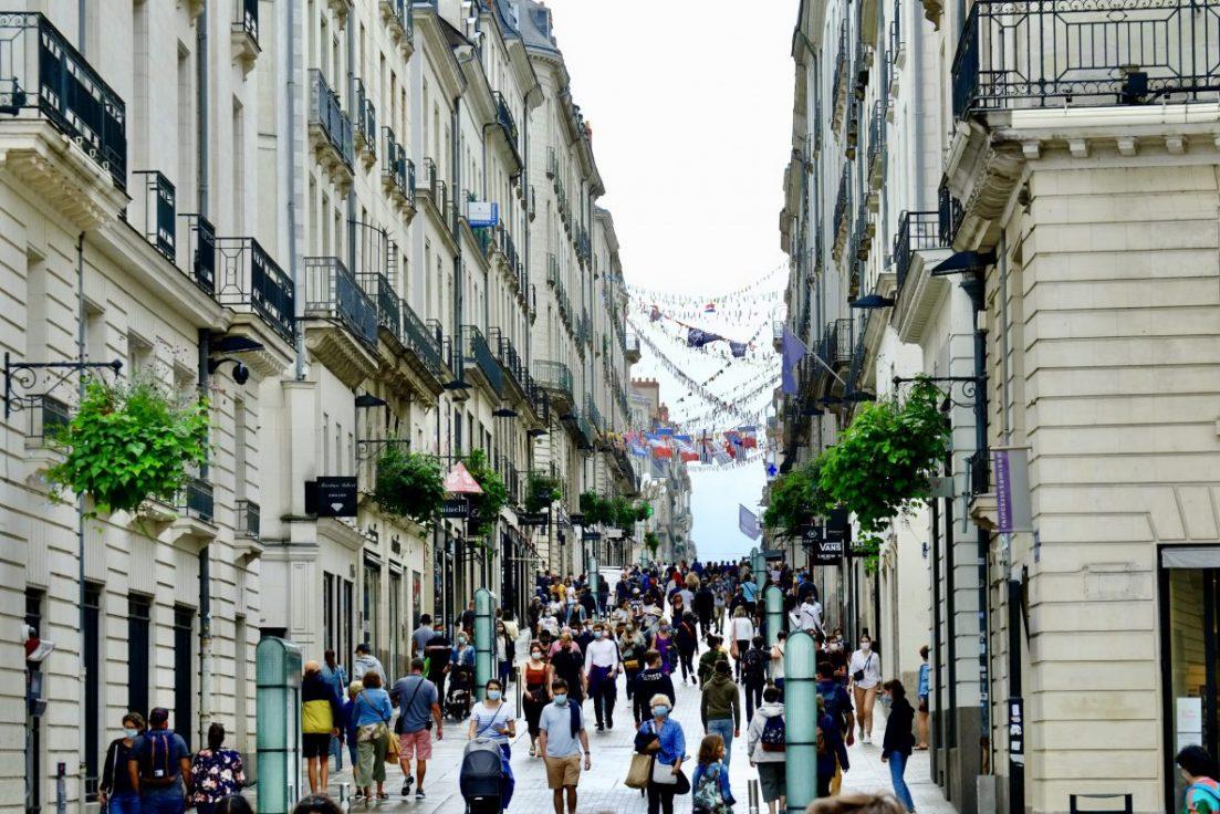 La rue Crébillon dans le centre de Nantes