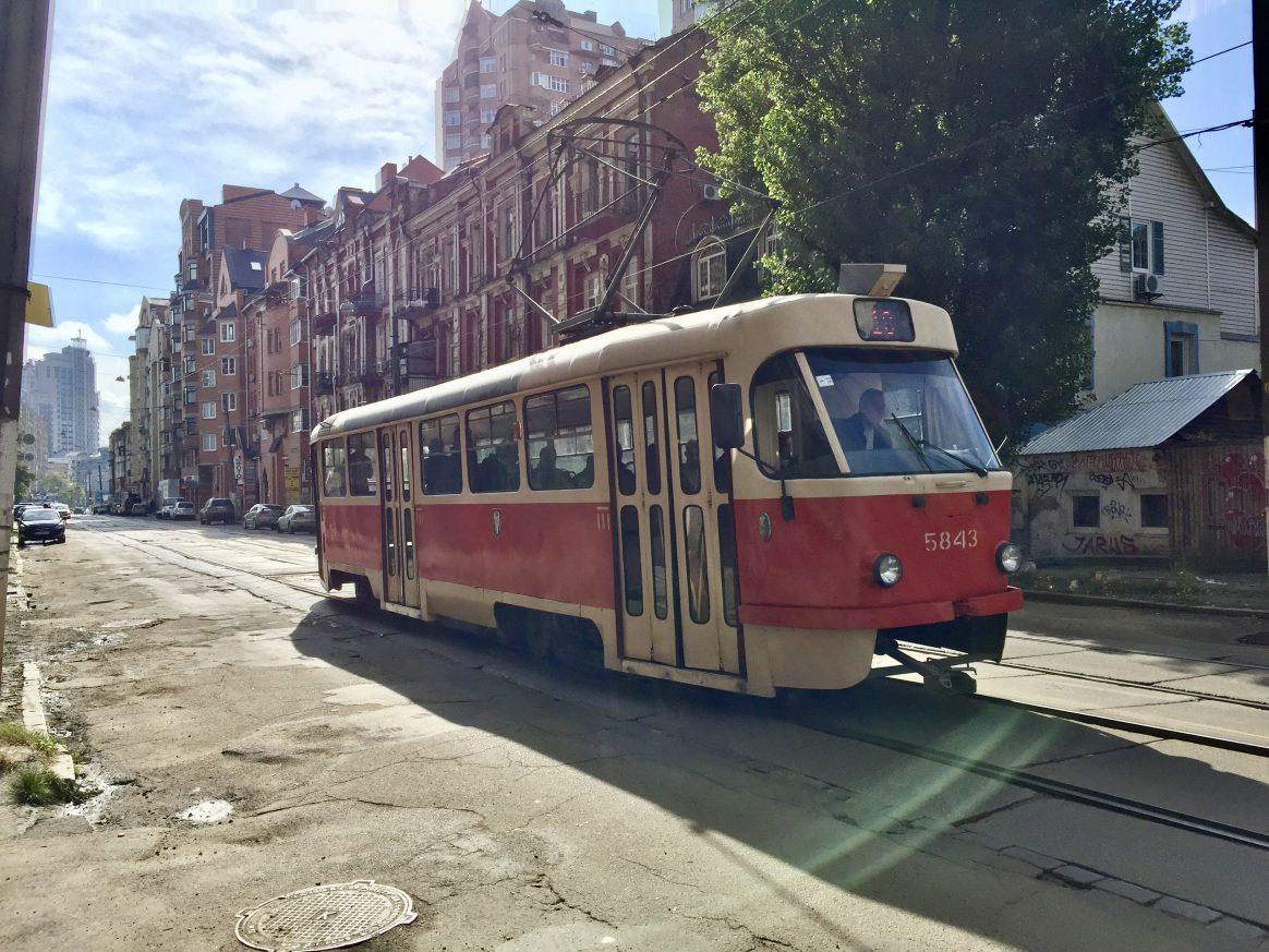 Un tramway dans les rues de Kiev