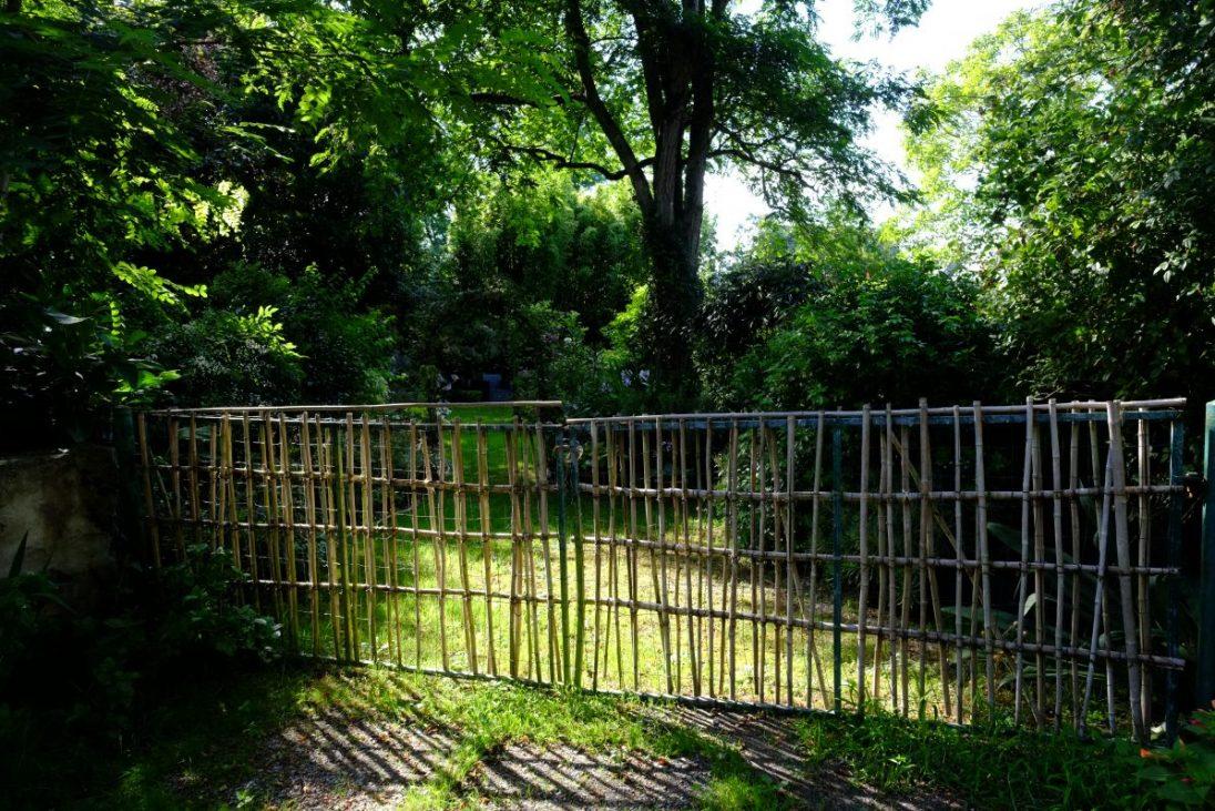 L'un des jardins du village de Clis