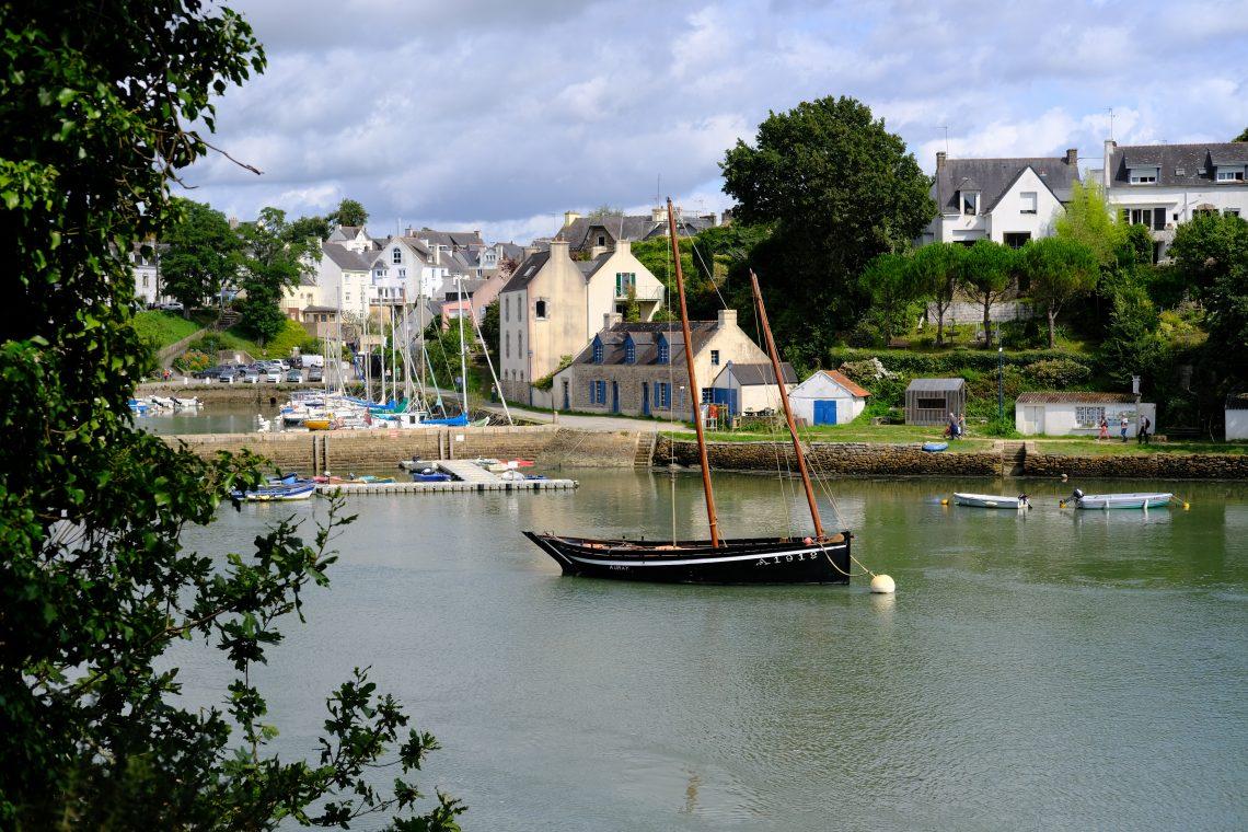 Un vieux gréement sur la rivière du Bono, un petit port du Morbihan