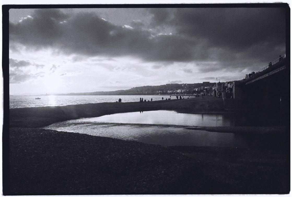 Jeux d'ombres et de lumières, Nice en noir et blanc