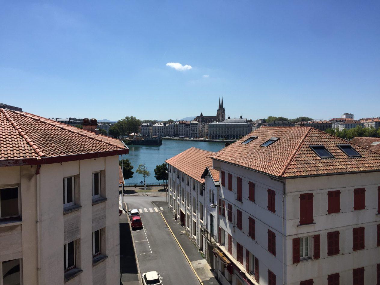 La capitale Basque sous le soleil