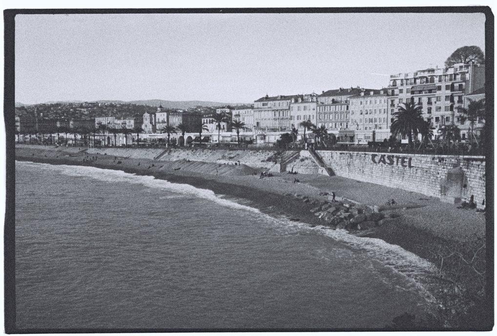 La plage publique de Castel à Nice